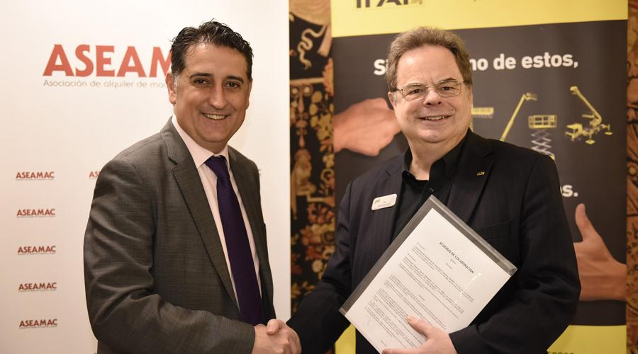 IPAF and ASEAMAC agreement signed by Tim Whiteman, CEO & MD of IPAF, and Juan José Torres, President of ASEAMAC, at ASEAMAC's Annual Conference in Madrid, Spain.